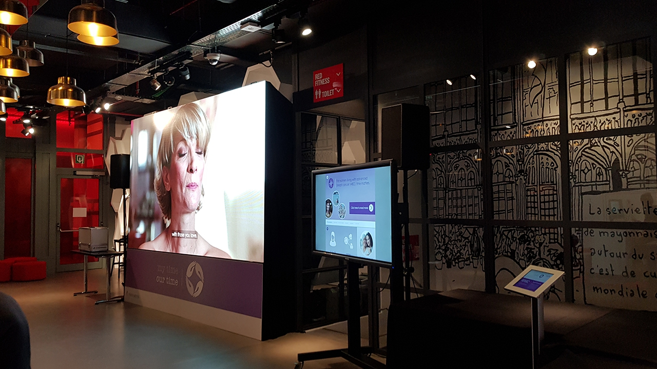 Led screen 3,47P & touch screen @ Hotel Brussels